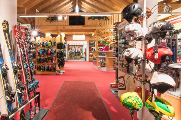 "Top ski rental station in our shop ""Skistadl"" in Wagrain"
